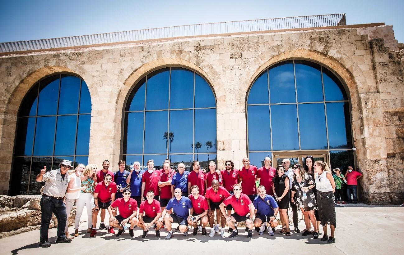 El Ministerio de Turismo de Israel acoge a los jugadores del Barça Legends en un tour por la antigua Cesarea